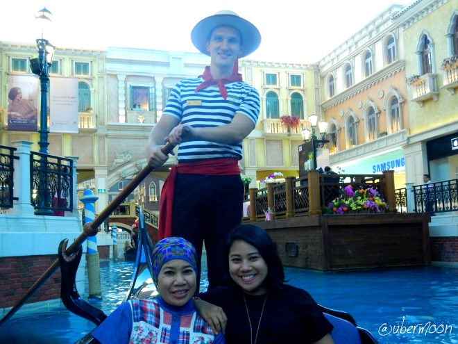 gondola-ride-the-venetian-macau
