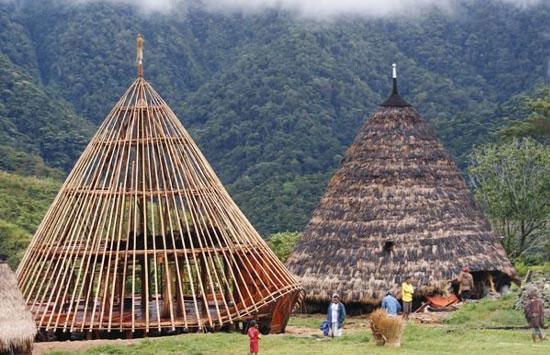 Keindahan Yang DIpancarkan Oleh Desa Pedalaman Flores