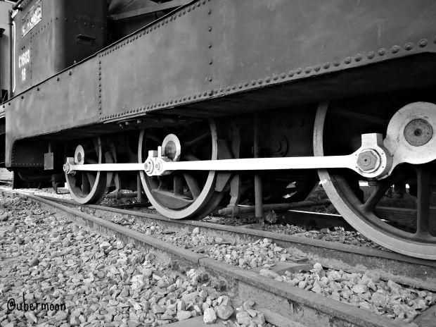 roda-penggerak-lokomotif