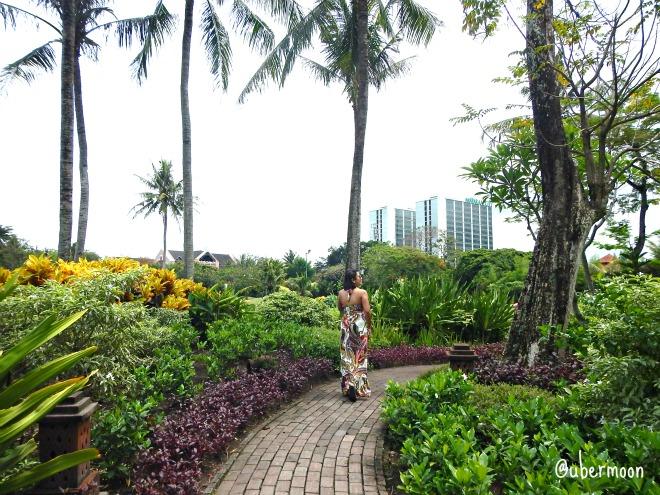 morning-walk-hyatt-regency-yogya