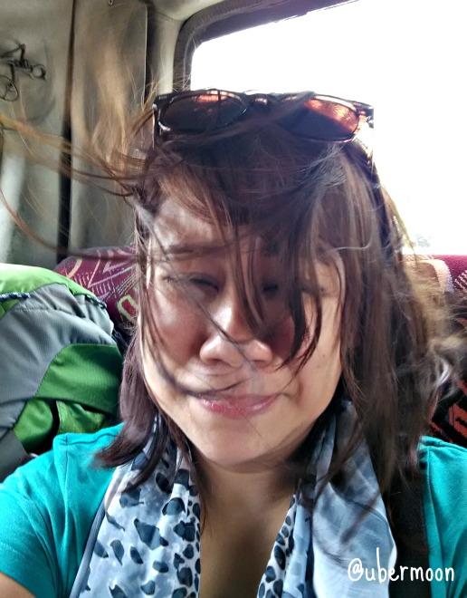 rambut-terbang-kena-angin