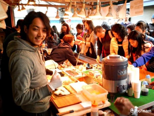 sushi-at-tsukiji-fish-market