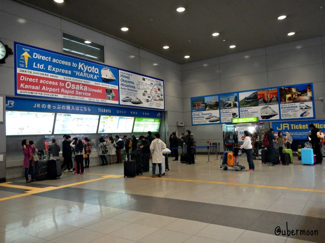 kansai-international-airport-counters