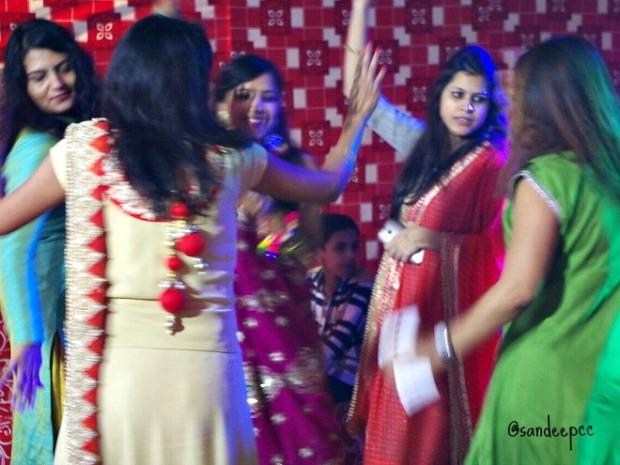 dance-mehendi-night