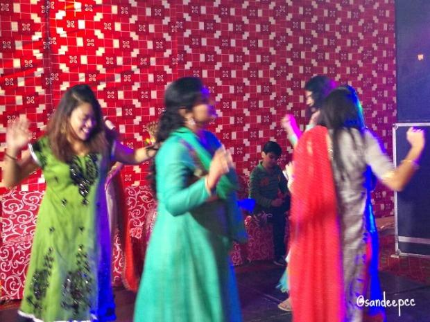 dance-at-a-mehendi-night