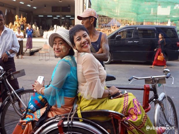tricycle-ride-yangon-myanmar