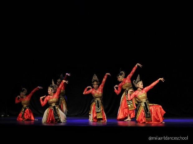 ronggeng-jaipong-mila-art-dance-school-jogja