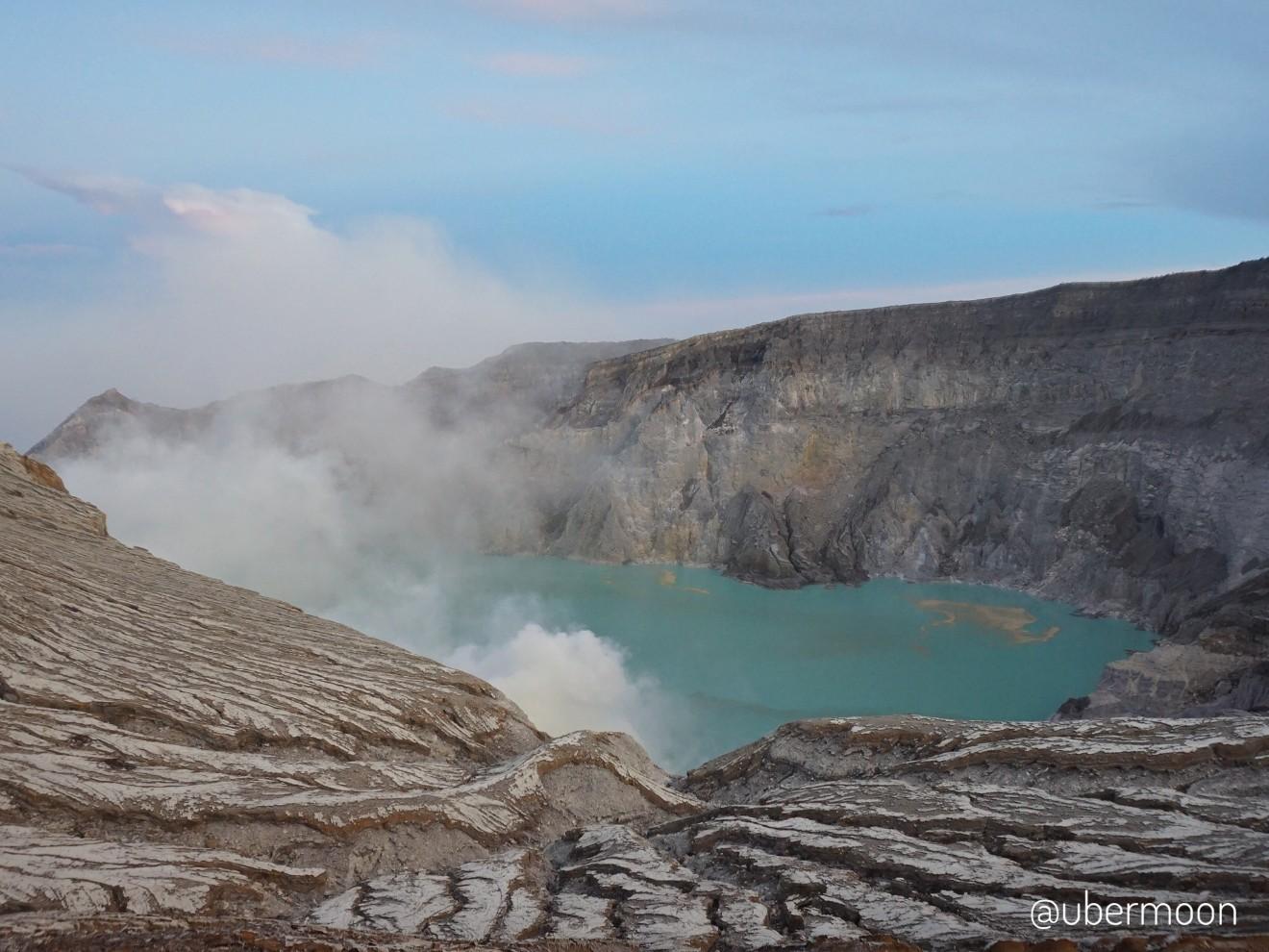ijen-crater-banyuwangi-indonesia