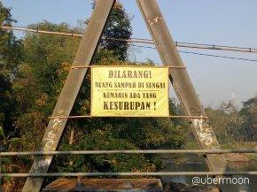spanduk-lucu-indonesia